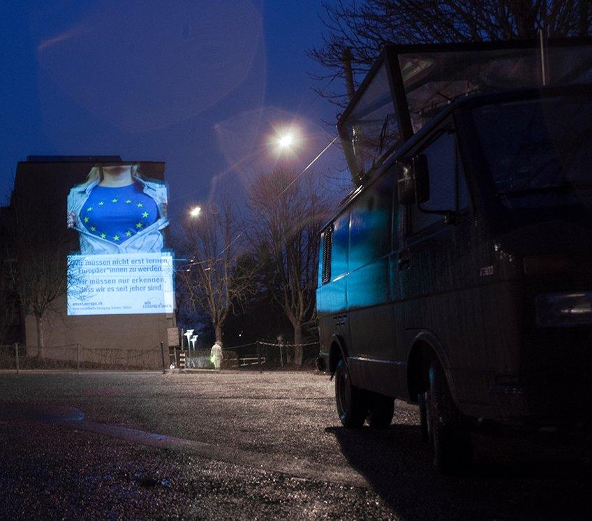 Aktion vor der Albisgüetli-Tagung der SVP: Guerilla-Aktion mit Towerbus